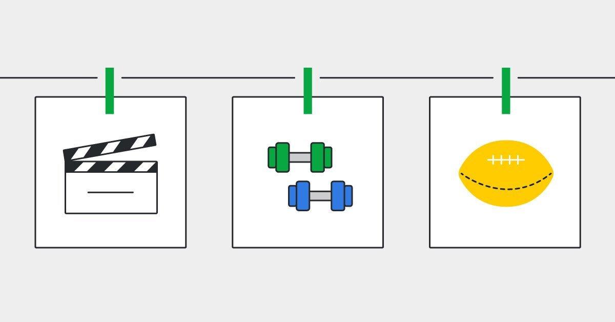 tendedero con 3 imagenes: la primera con un equipo de ventas llevando a cabo un juego de rol, la segunda de una sesión de entrenamiento de un y la última de una lista de objetivos